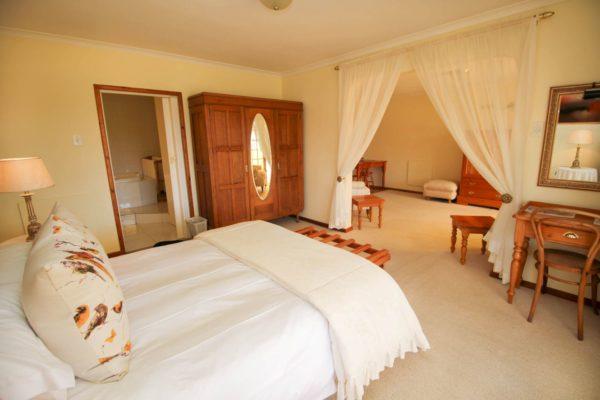 Unit 3 Bedroom 1-H900